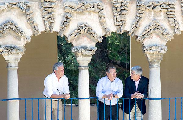 El alcalde, Juan Ignacio Zoido, visitando las instalaciones. / El Correo