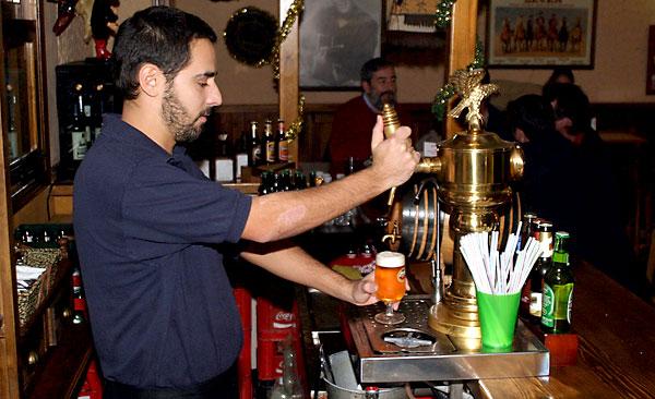 El número de autónomos se ha incrementado en sectores como la hostelería. / Álvaro Cabrera