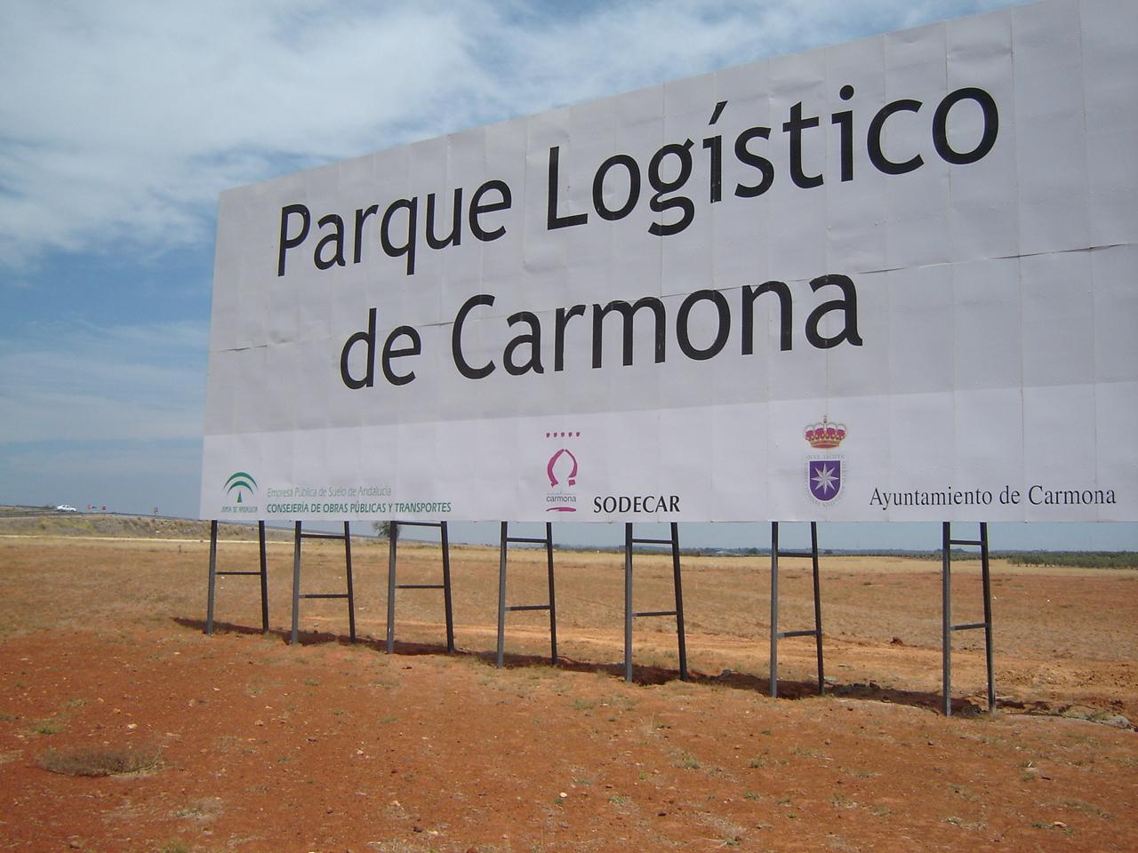 El Parque Logístico de Carmona sigue siendo la esperanza de creación de empleo para el Consistorio. Foto: Alberto Méndez