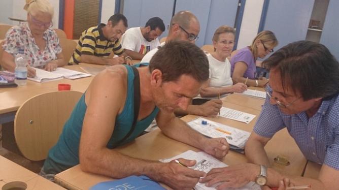 El Centro de Educación del Polígono Sur presta especial atención a colectivos en riesgo de exclusión. /