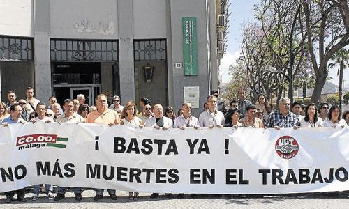 Concentración de trabajadores y representantes sindicales contra la siniestralidad en una imagen de archivo. / Foto: El Correo