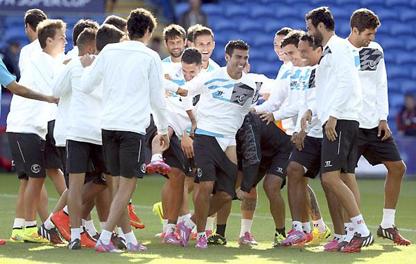 Entrenamiento del SevillaFC este lunes. / EFE