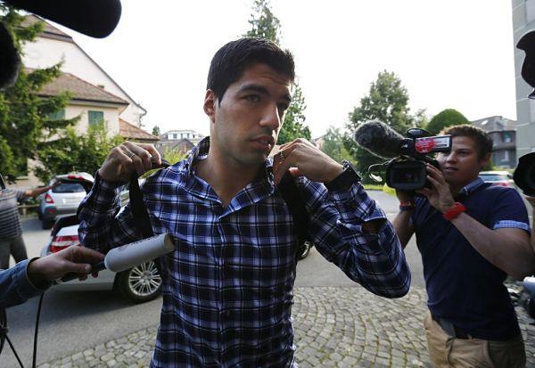 Luis Suárez, a su llegada a la sede del Tas en Lausana. Foto: REUTERS