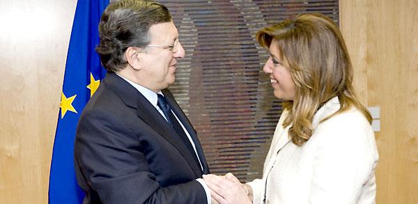 Encuentro de Susana Díaz con Durao Barroso en Bruselas. / EFE