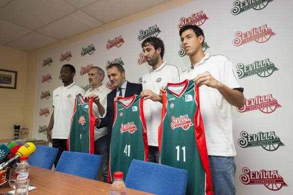 Sevilla 11 09 2014: Presentacion de nuevos jugadores de Baloncesto Se