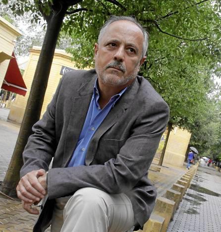 José Manuel García, portavoz del grupo municipal de IU en el Ayuntamiento de Sevilla, tras su entrevista con este periódico. / Foto: José Luis Montero
