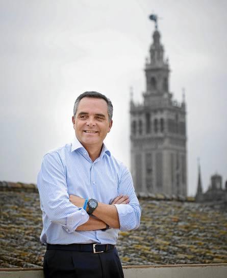 Bueno justificó el retraso en la entrega de viviendas municipales a la necesidad de «hacer las cosas con cabeza». / Pepo Herrera