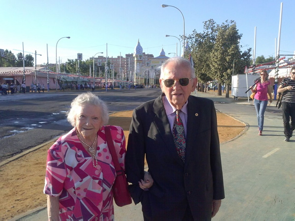 Josefina Salas y Juan Manuel Pozuelo en la pasada edición de la Feria de Abril. / El Correo