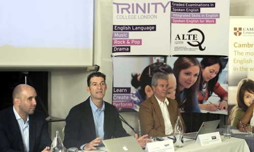 Xavier Ballesteros, Borja Uruñuela y Barry Lynam, ayer en la rueda de prensa. / J.M. Paisano