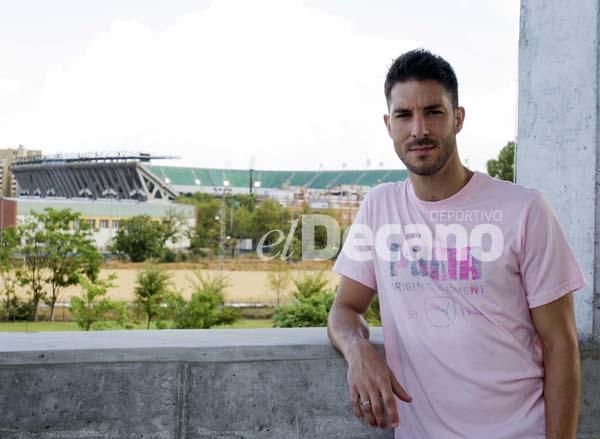 entrevista a Alvaro Cejudo en la ciudad deportiva luis del sol 1