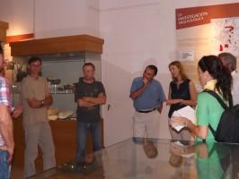 Los investigadores, Manuel Varas y Sonia Arellano presentaron el proyecto en el Museo Arqueológico.