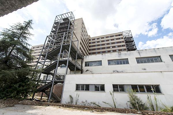 Este es el estado del Hospital Militar. / J. M. Paisano