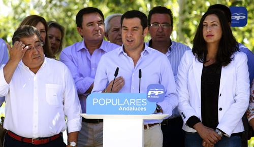 JUAN MANUEL MORENO, PRESIDE UNA REUNIÓN CON EL GRUPO PARLAMENTARIO POPULAR DE ANDALUCÍA