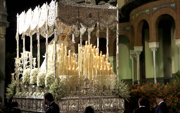 Salida extraordinaria de la Virgen de la Paz. Foto: J.M. Paisano