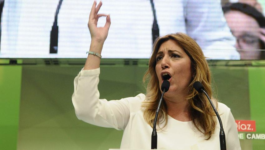 La presidenta andaluza y secretaria general del PSOE-A, Susana Díaz, durante su intervención hoy en un acto público de su partido con motivo del primer año al frente de la Junta de Andalucía. / EFE