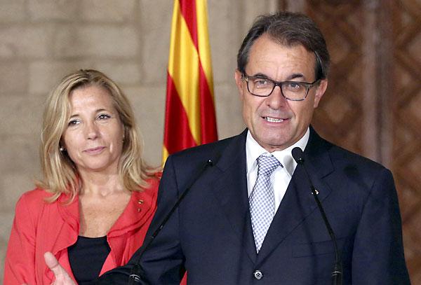El presidente de la Generalitat de Cataluña Artur Mas hace unas declaraciones tras la celebración de la Diada. / EFE