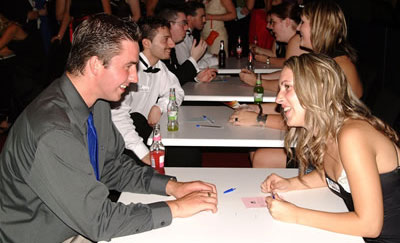 Imagen de un Speed Dating. / El Correo