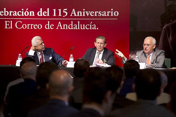 Los ponentes durante el transcurso del coloquio-desayuno de El Correo. / Pepo Herrera
