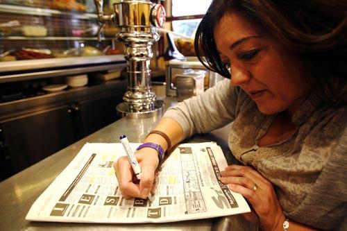 03-11-10 SEVILLA. REPORTEJE SOBRE UNA PERSONA DESEMPLEADA EN LE BARRI
