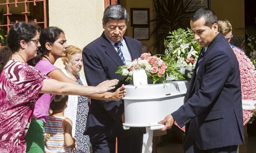 Los restos mortales de los niños Ruth y José descansan en el cementerio municipal de San Bartolomé de la Torre (Huelva). Foto: Julián Pérez (Efe)