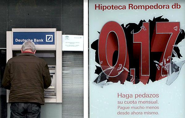 Anuncio de hipotecas. / EFE