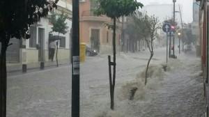 La avenida 28 de febrero de San Juan fue la que más sufrió los efectos del agua.