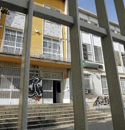 El instituto Martínez Montañés, uno de los que ofrecen FP Básica en Sevilla. Foto: Pepo Herrera