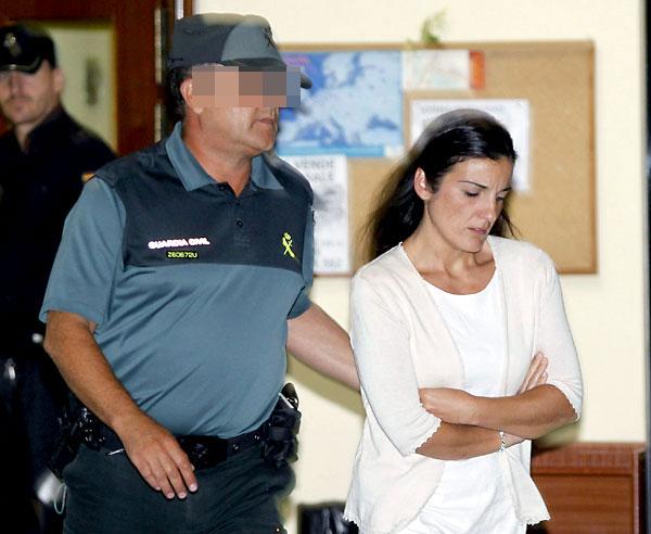 "ara L.H., de 37 años, tras ser declarada culpable de matar por ""asfixia mecánica"" a sus dos bebés recién nacidos. / EFE"