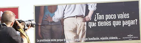 Una campaña anterior del Ayuntamiento contra la prostitución. / El Correo