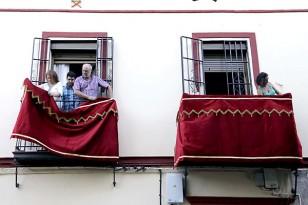Preparativos de la salida extraordinaria de la Virgen de La Paz. / Foto: José Luis Montero