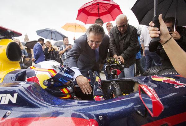 El evento promocional del World Series by Renault con los dos pilotos españoles Carlos Sainz junior y Roberto Mehri corrieron el la Plaza de España. Foto: Pepo Herrera.