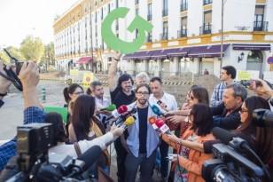 La plataforma ciudadana Ganemos presentó ayer sus propuestas y código ético. / Carlos Hernández