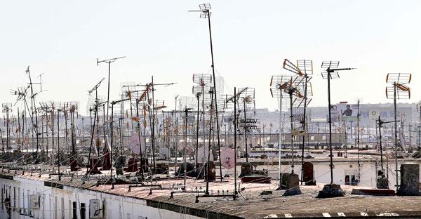Una azotea con antenas de televisión. / Foto: José Luis Montero