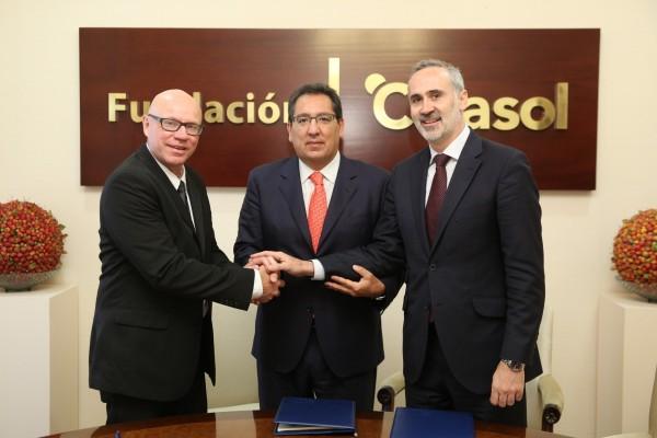 Fundación Cajasol y Club Deportivo de Baloncesto renuevan colaboración