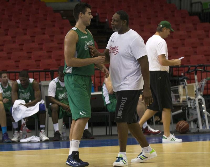 entrenamiento baloncesto sevilla ( san pablo ) 2/10/14FOTO INMA FLOR
