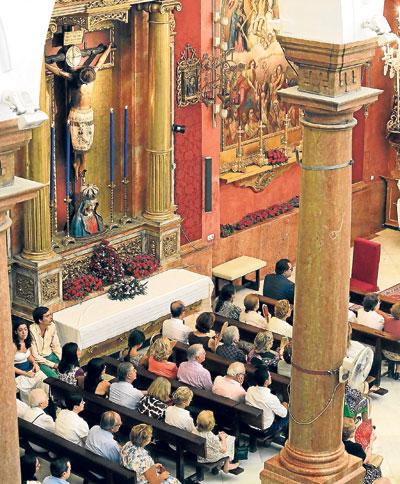 Un aspecto de la nave del evangelio del templo parroquial. / José Luis Montero