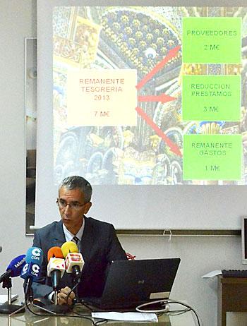 Francisco Jiménez presentó ayer las nuevas inversiones en Utrera. Foto: S. Criadoº