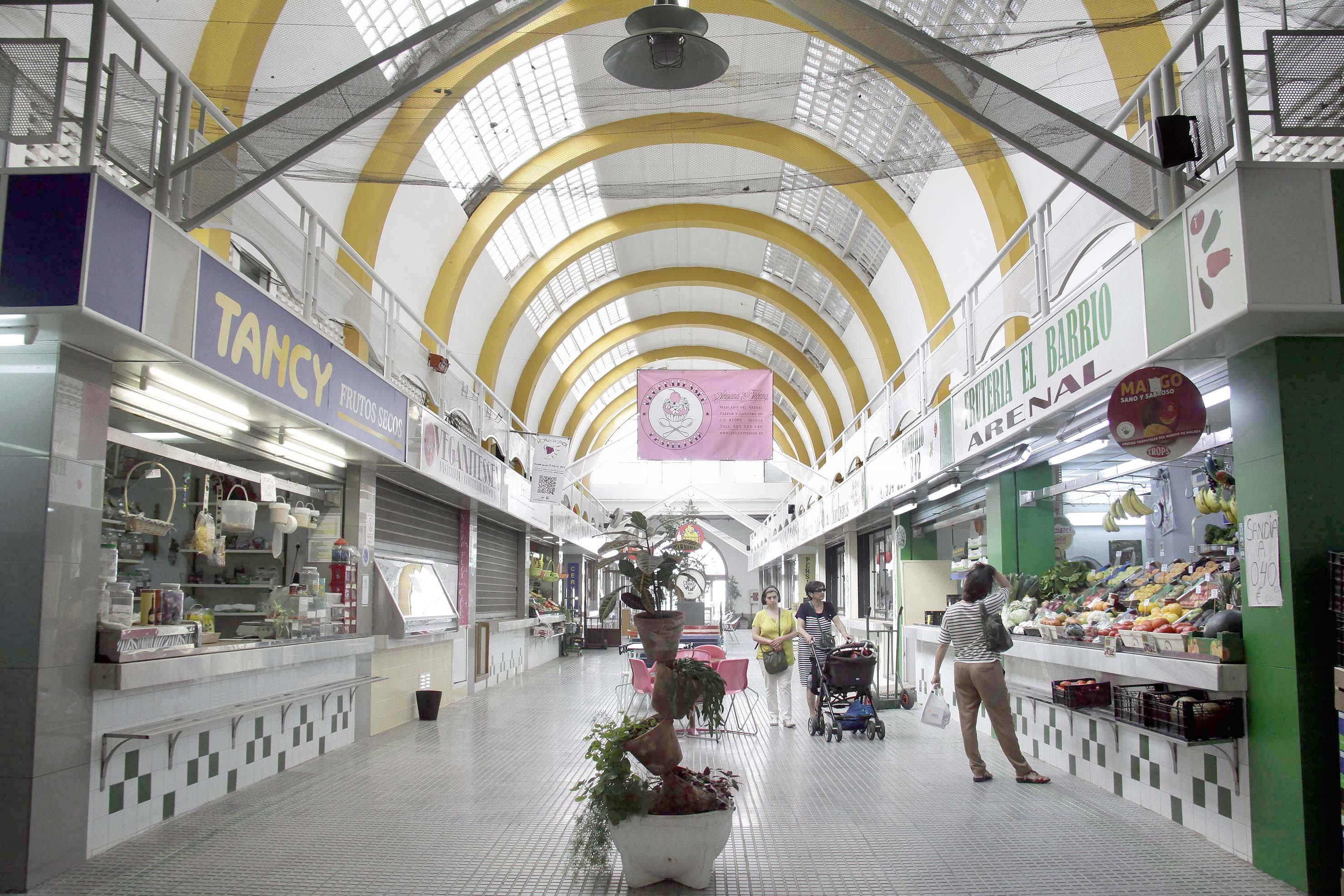 Edificio del Arenal, otro de los mercados con historia. / JOSE LUIS MONTERO