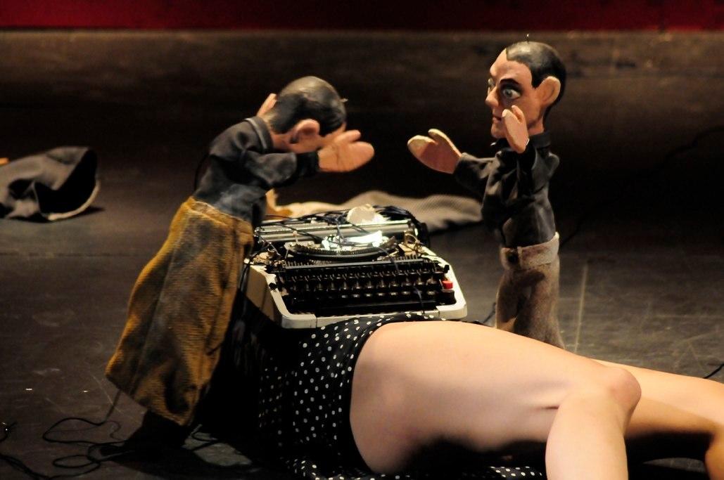 La obra con marionetas La dulce Ingebort podrá verse los próximos 25 y 26 en TNT (Calle Parque de Despeñaperros). /