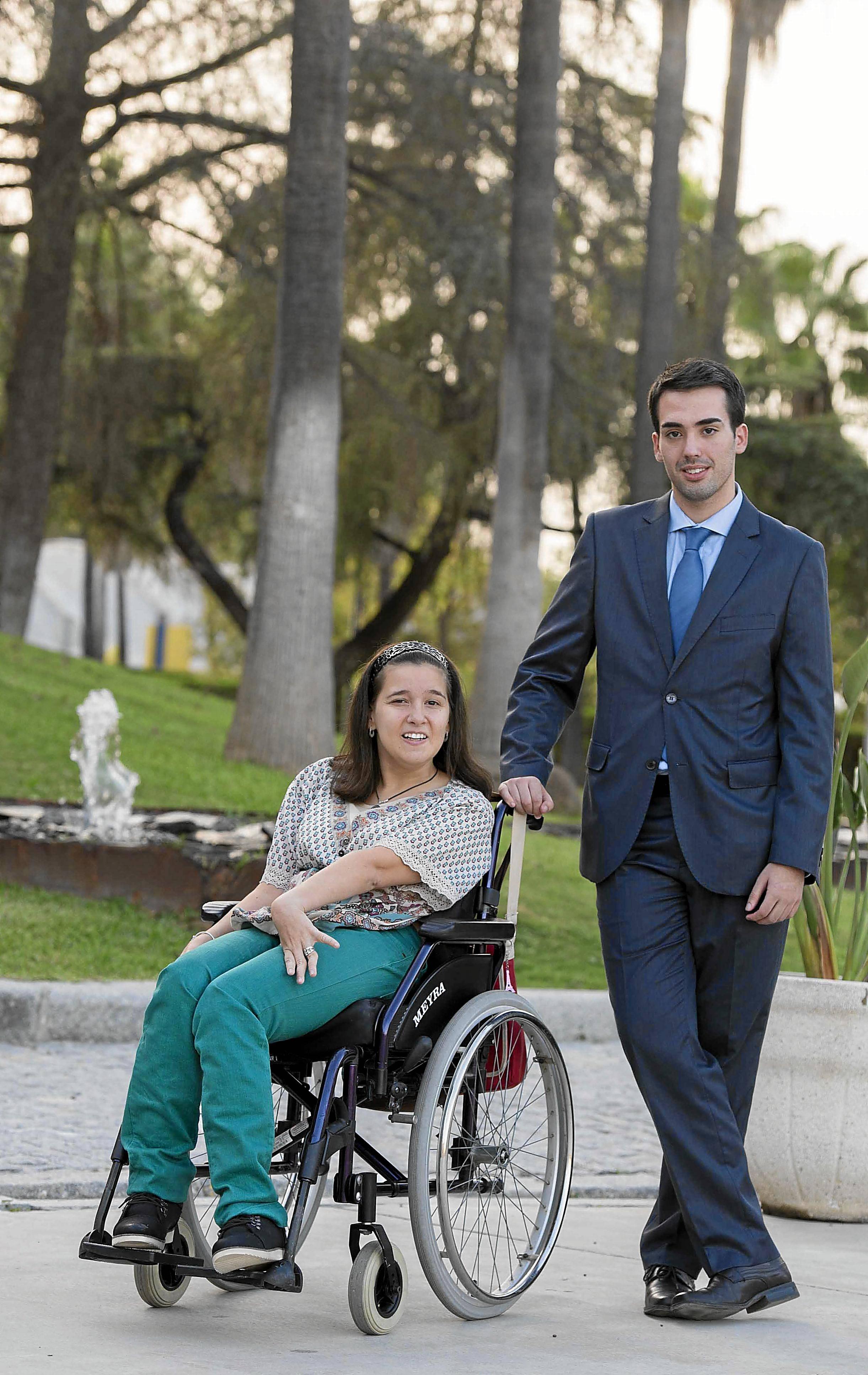 Sevilla 27 10 2014: Reportaje para jovenes por dereche en la universi