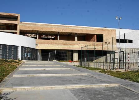 Estado del edificio de la escuela de hostelería de Castilleja de Guzmán, en una imagen tomada en 2011. / Javier Cuesta