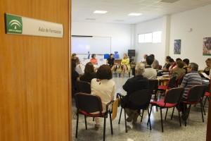 La delegada territorial de Economía, Aurora Cosano, inauguró ayer la Lanzadera de Empleo de Dos Hermanas. Foto. Pepo Herrera