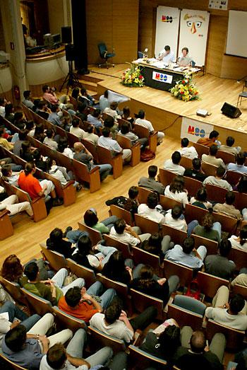 La sala Joaquín Turina de Cajasol tiene actividades programadas para el resto del año y parte de 2015 / El Correo