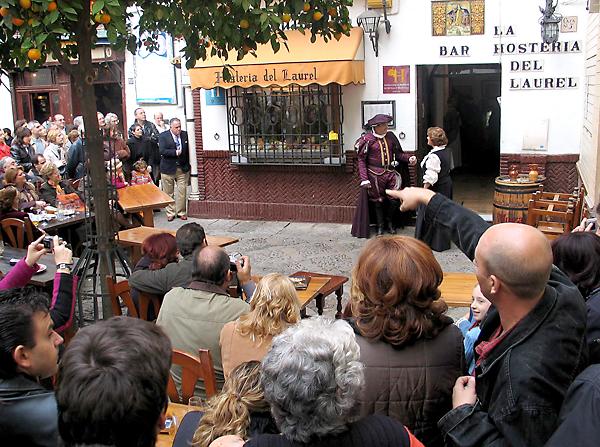 Representación de Don Juan Tenorio en la Plaza de los Venerables. / David Estrada