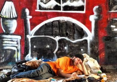 grafitero-enmascarado-pobreza-extrema_MEDIMA20141031_0026_24