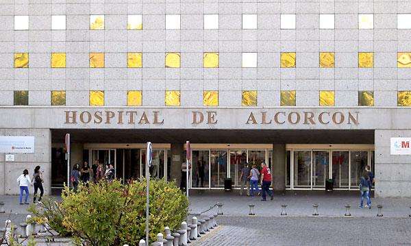 Hospital de Alcorcón de Madrid, donde se encuentra ingresada la enfermera infectada por ébola. / EFE