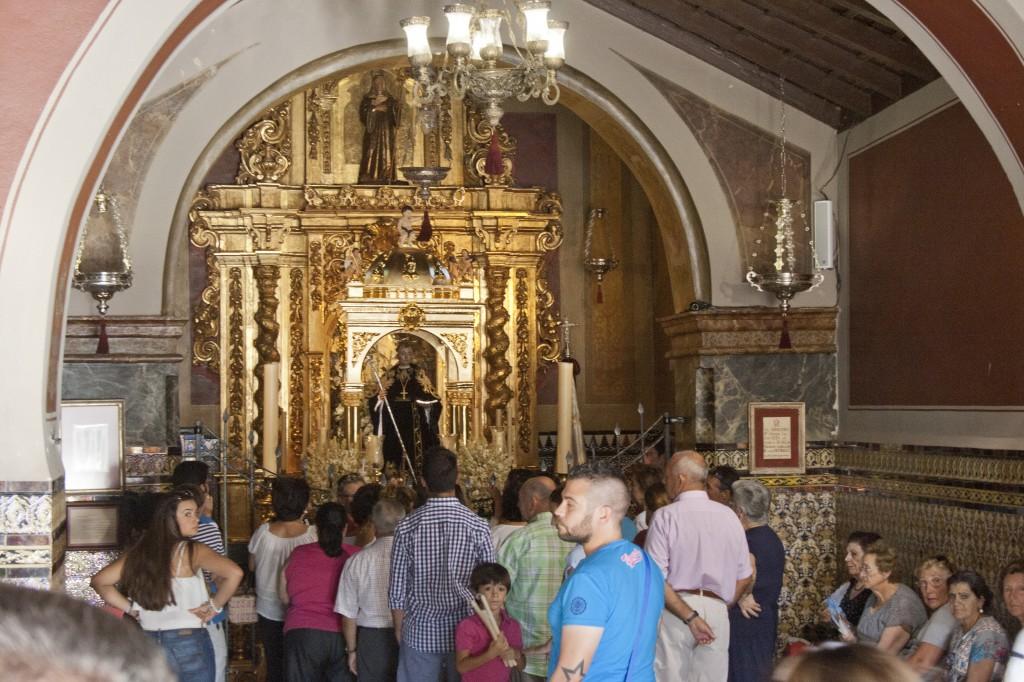 El Patrón de Europa, San Benito, recorre hoy los 12 kilómetros hasta la ermita de Castilblanco. / Foto: El Correo