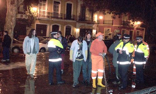Zoido asegura que se terminó la «tolerancia» y que la Policía evitará las molestias de la movida nocturna. / Foto: El Correo