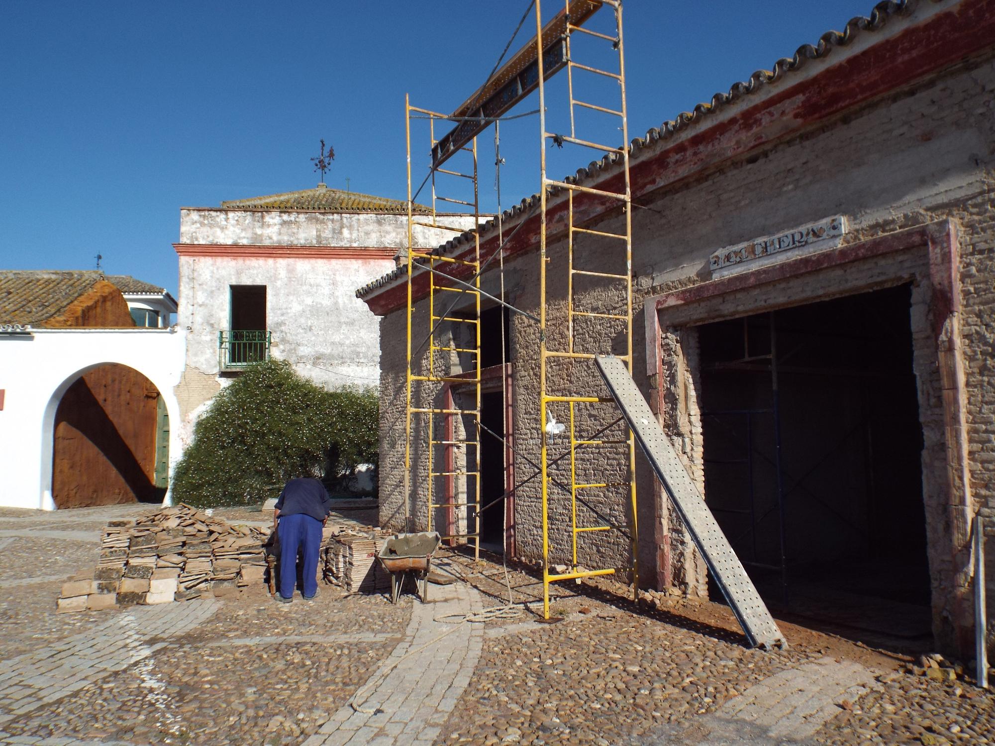En la actualidad se están remozando las cocheras y los senderos de los jardines de El Molino.