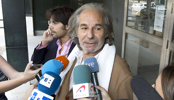 El torero Rafael de Paula ante los medios de comunicación a la salida de los juzgados de Jerez de la Frontera / EFE